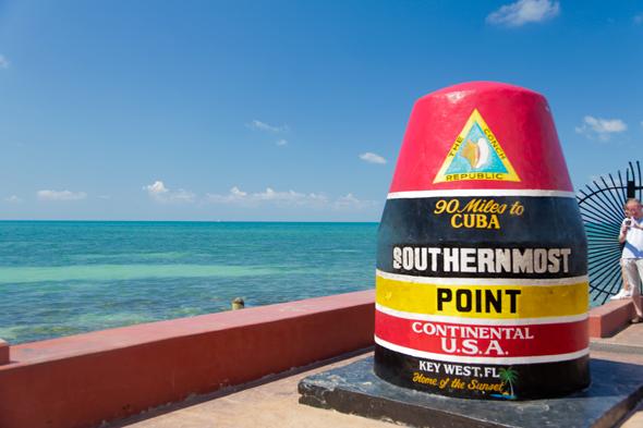 Monumento de las 90 millas a Cuba en Key West