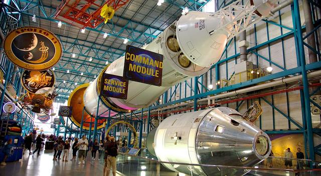 Tours por el centro espacial de la NASA