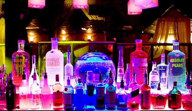 Bebidas alcohólicas en bar