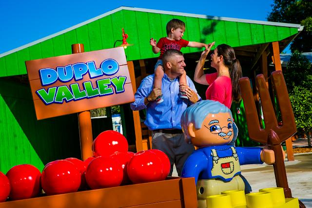Área Doble Valley para niños en el parque Lego en Orlando