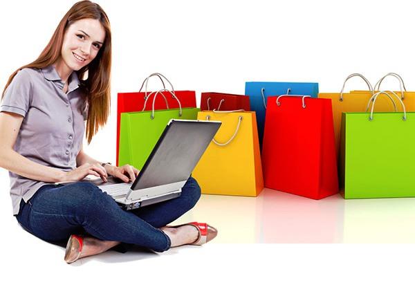 Mujer haciendo compras online