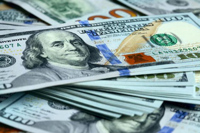 ¿Puedo usar las antiguas notas de 100 dólares en mi viaje?