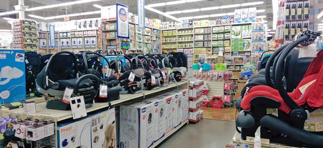 Interior de la tienda Buy Buy Baby en Miami